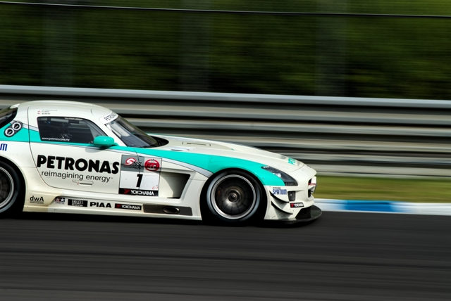 GT3 1 PETORNAS SYNTIUM SLS AMG