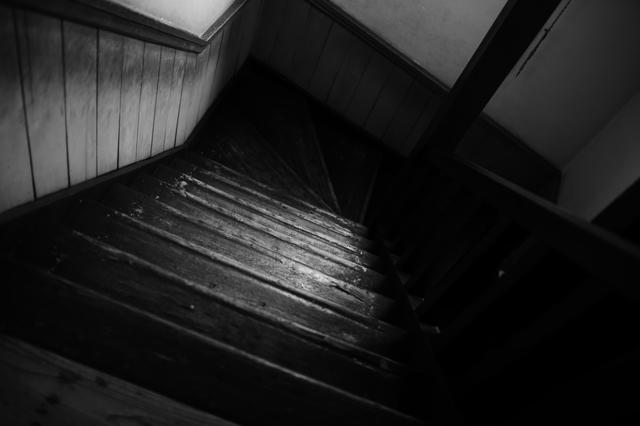 時を刻む階段