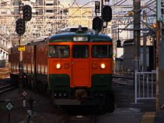 高崎駅に入線してくるクモハ115