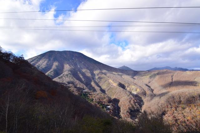 明智平から見た山。