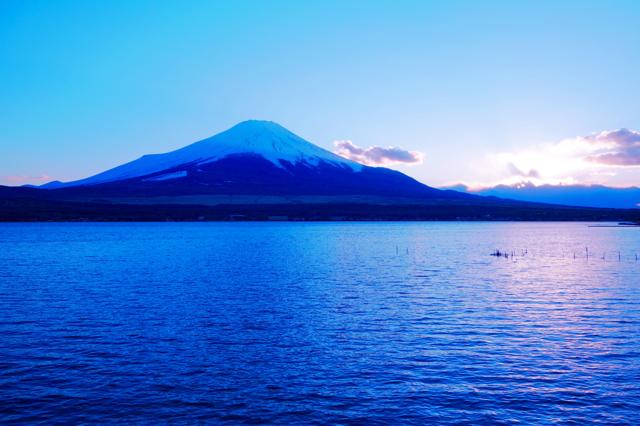 山中湖からの夕富士