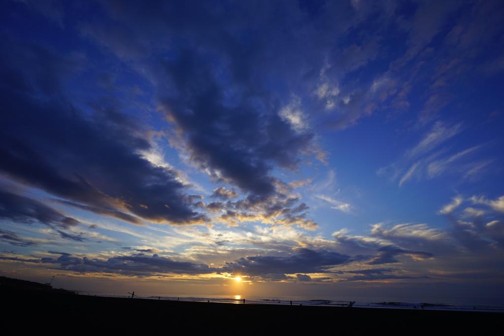茅ヶ崎ヘッドランドの夜明け