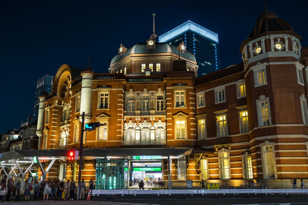夜の東京駅、丸の内