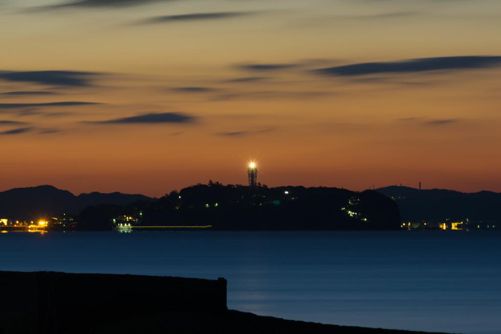 江ノ島夜明け前