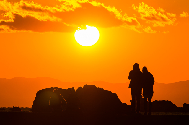 真っ赤に萌えた太陽