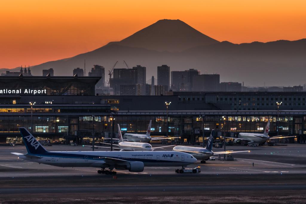 羽田空港 夕景