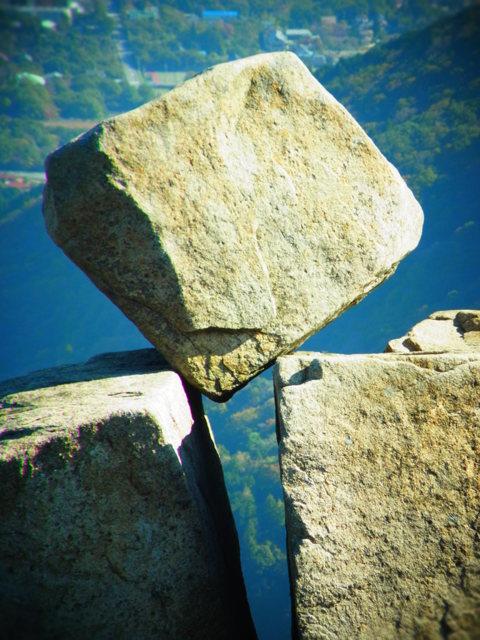 奇跡の奇石