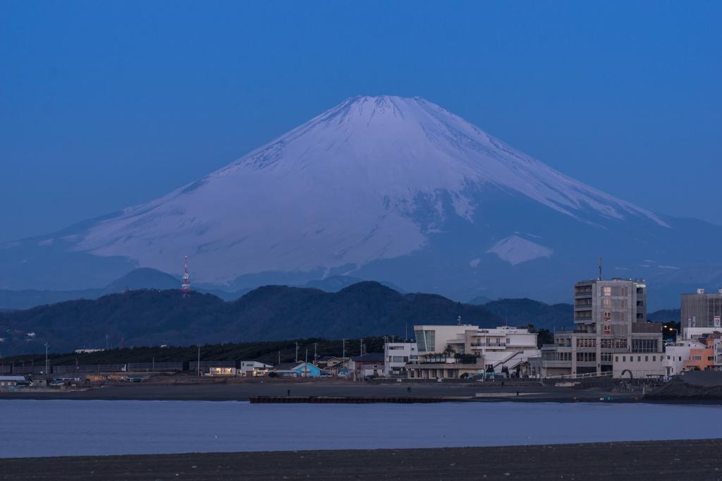 茅ヶ崎ヘッドランドからの富士山