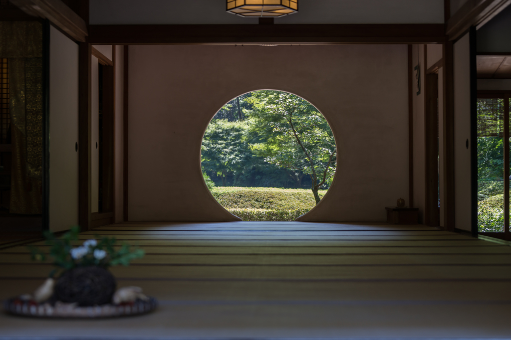 明月院丸窓