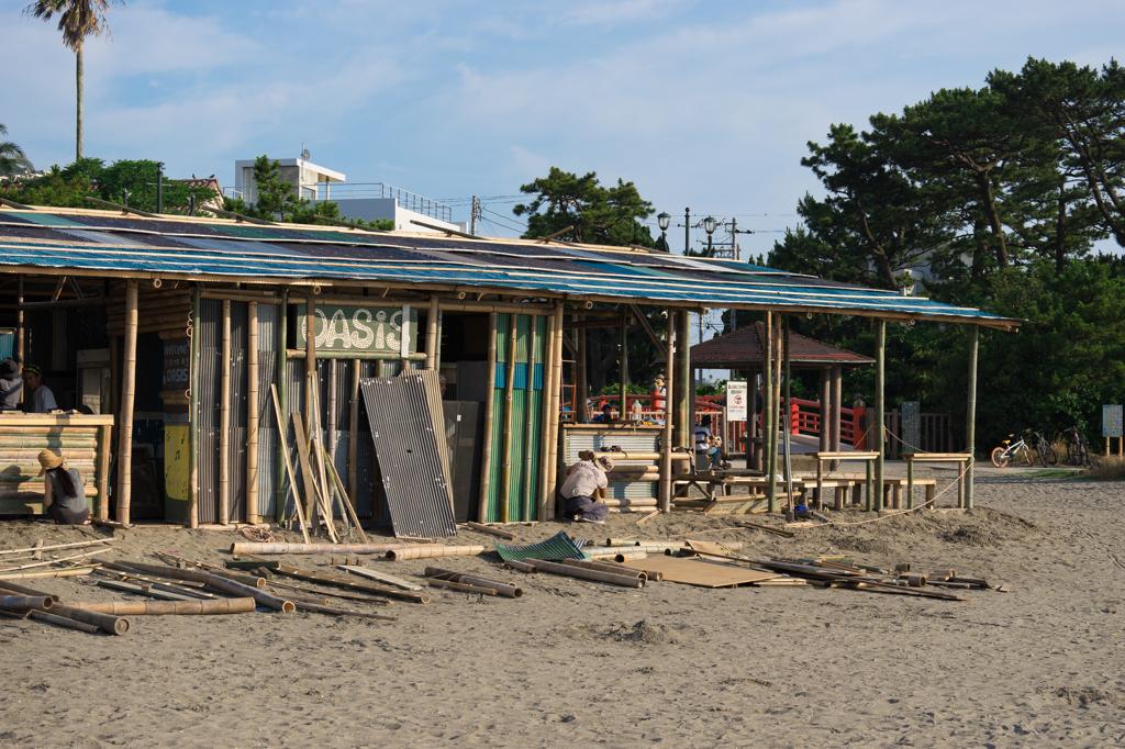 森戸海岸 海の家建築中