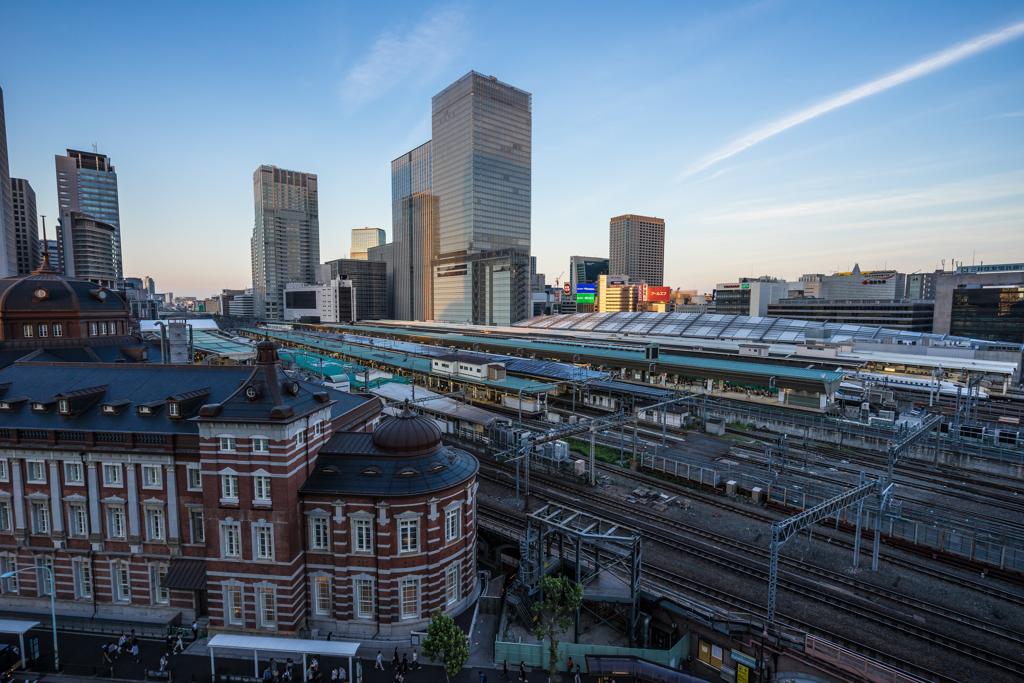 夕暮れの東京駅
