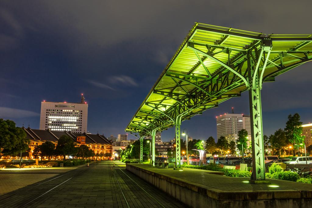 赤レンガ倉庫の駅