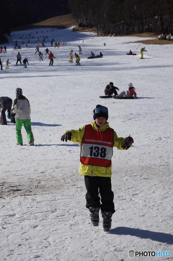 次男はスキースクールに参加